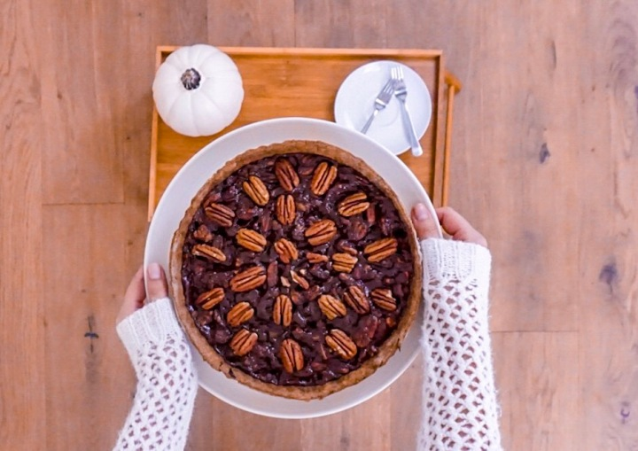 "Easy Vegan Pecan Pie: ""no"" to corn syrup and refined sugar"